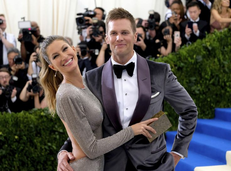 Tom Brady doesn't confirm wife's concussion claim, but doesn't deny it either