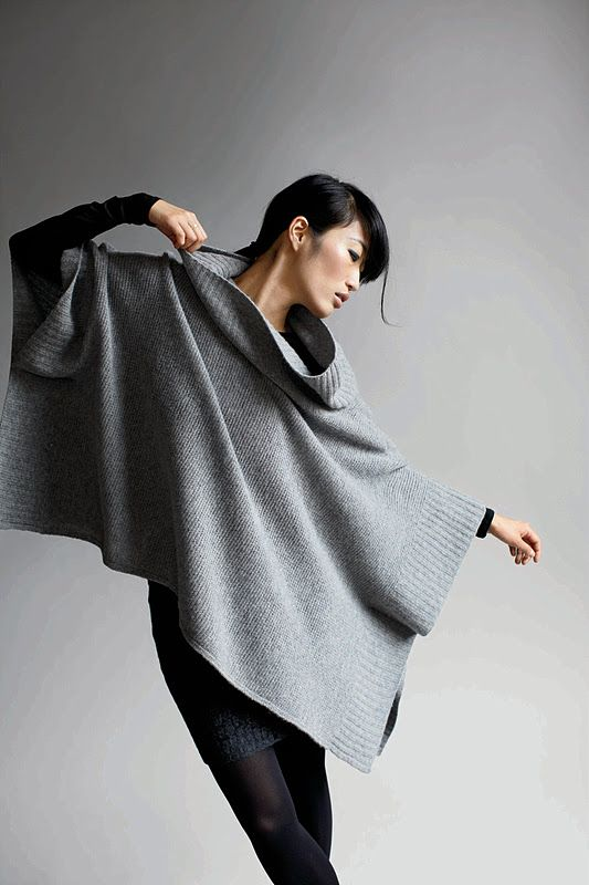 grey & black | grey ombre cape/poncho | oversized, loose, flowy | oversized collar | dark black leggings/skinny jeans | long sleeve black top | Counting Stone Sheep | modern, minimal, chic | fall fashion/street style inspiration