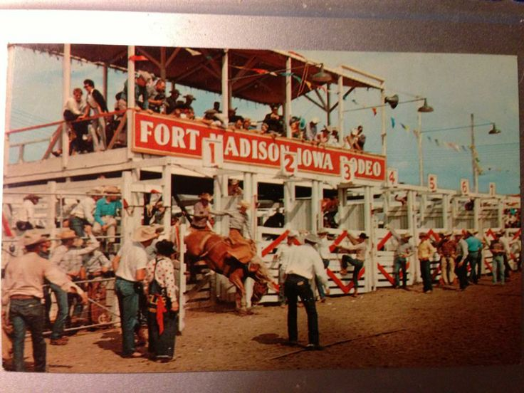 Historic Annual Tri State Rodeo Held In Fortmadison Iowa