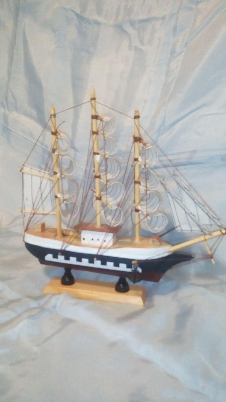 Barca a vela cm 25 x 4 x 25 h in legno art 1001, €29.90