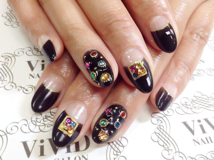 【No.13】Colourful Swarovski stones stands out with the black colour based gorgeous nail♥︎ 黒ベースのネイルにカラフルなストーンが宝石箱のようなゴージャスネイル♪ #vividnailsalonsydney#calgel#sydney#nail#nails#nailart#art#nalisalon#gelnail#japanesenailart#ネイル#ネイルアート#ジェルネイル#カルジェル#美甲#指甲