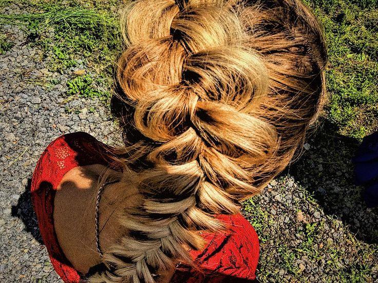 Не могла не выложить творчество Катюши ��  А как мы делали эту косу, в каких условиях �� Вы бы только знали �� . . . #instamakeup #instagramanet #instatag #makeup #makeupartist #makeupaddict #makeupjunkie #makeuplover #makeupforever #makeupbyme #cosmetic #cosmetics #макияж #мейкап #глаза #губы #брови #ресницы #реснички #тени #тушь #помада #пудра #косметика #стиль #инстамакияж #инстаграманет #инстатаг #косметикимногонебывает…
