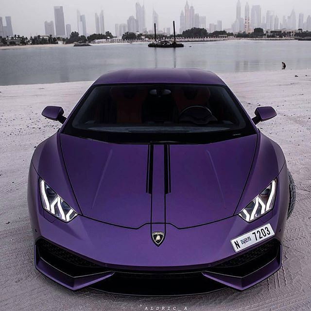 Custom purple Lamborghini Huracan