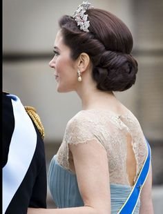 royal wedding updos - Google Search | Wedding hairstyles ...