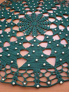 Crocheted christmas tablecloth- free pattern ❥Teresa Restegui http://www.pinterest.com/teretegui/ ❥