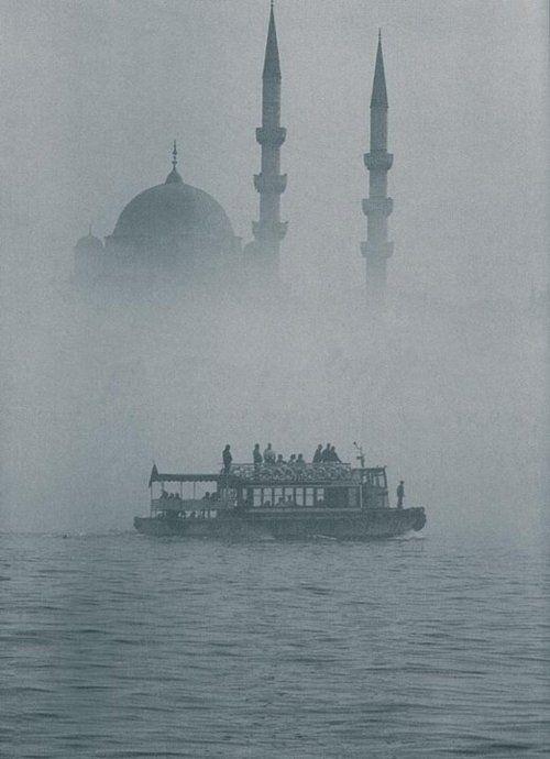 Istanbul under the fog, Turkey