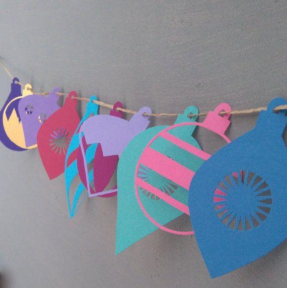 M s de 1000 ideas sobre adornos de papel de navidad en - Como doblar jerseys para que ocupen poco ...