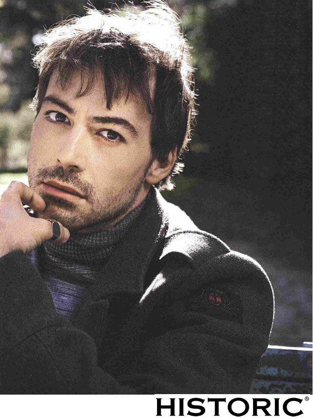 Gabriele Marcello attore e scrittore italiano indossa Ulanka jacket http://historic-brand.com/shop/historic-archive/ulanka-jacket/  #fashion #modauomo #man #italianstyle #mensfashion  via Diva e Donna 13/01/2015