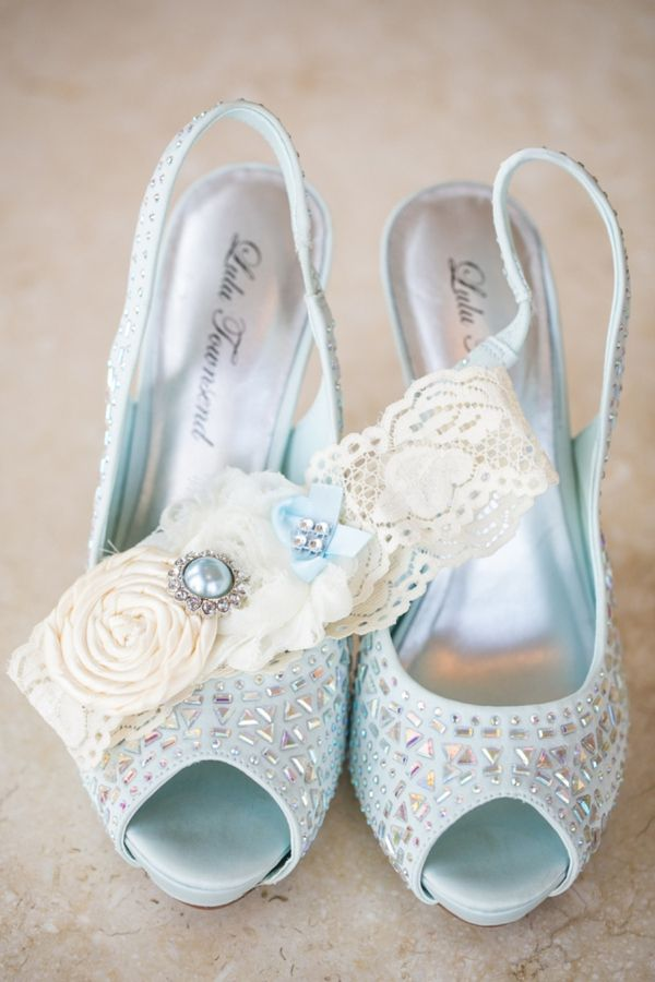 Mike + Molly Created A Beautiful Turquoise Beach Wedding.