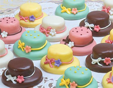 Petite Four Cakes, Marzipan Cake, Mini Cakes, Marzipan Gift Set, Petite Four Gift Basket | Los Angeles, Beverly Hills, West Hollywood, Santa Monica | Fraiche Fine Gifts