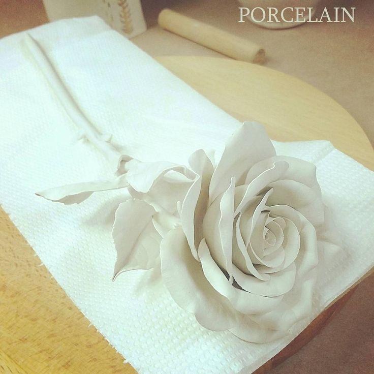 Delicate porcelain flower. I'm creating porcelain rose with porcelain stem and leaves .…»