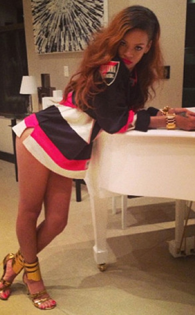 Social Rihanna Goes Pantsless in Hockey Jersey, Gives Birth to #Rihannaing Meme  http://www.heavy.com/social/2013/04/rihannaing-meme-rihanna-pantsless-hockey-jersey/