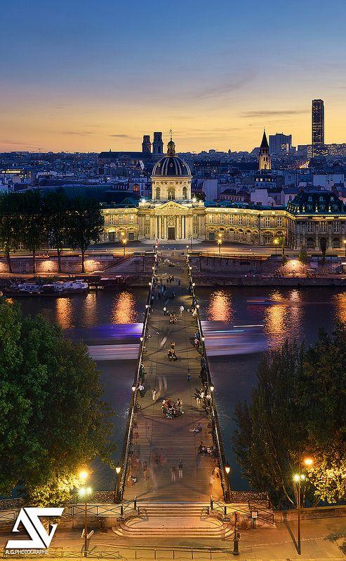 Pont des Arts & Institut de France, Paris, France (HDR)