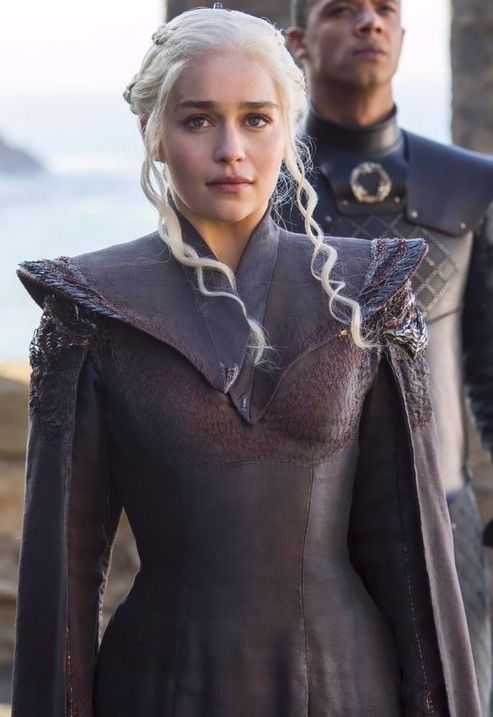 Best 25 dany 39 s dragons ideas on pinterest dragon egg for Daenerys jewelry season 7
