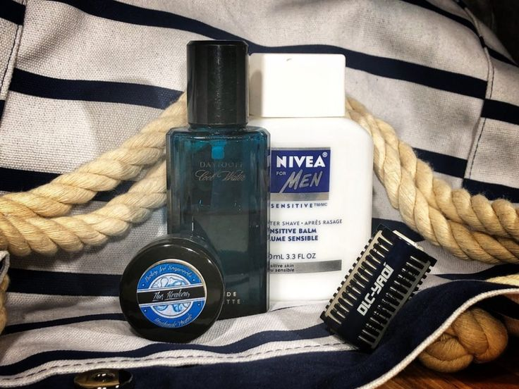 #SOTD #samplesaturday #wetshaving #shavelikegrandpa Razor: Yaqi Double Open Comb Blade: Gillette Wilkinson Sword Soap: Mickey Lee Soapworks The Kracken Aftershave: Nivea Balm Other: Davidoff Cool Water EDT
