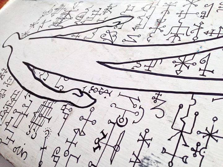 Marcador indeleble sobre timon de madera 70cm x 40cm aprox.