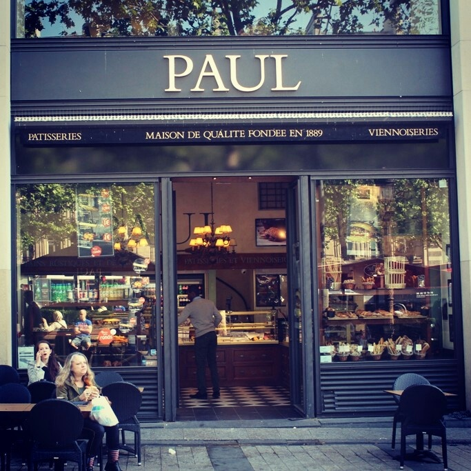 Paul store, Champ Elysees
