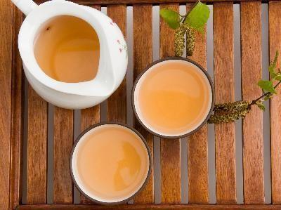 Green Chai Tea,   Recipe@ http://www.ellenskitchen.com/faqs/chaikash.html