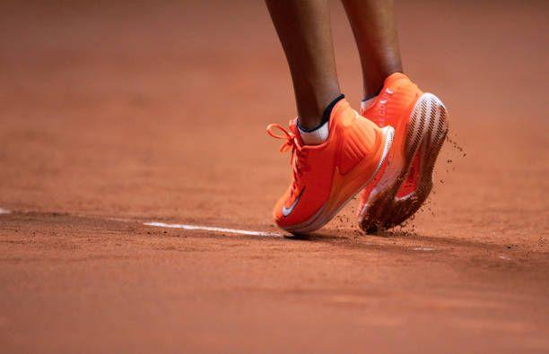 Stuttgart Open 2019 Naomi Osaka Tennis Forehand Tennis Court Photo Shot Tennis Outfit Nike Women Te Best Tennis Rackets Tennis Forehand Tennis Clothes