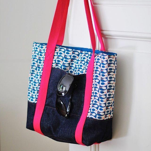 Flosse petrol als #handtasche #svea von @kreativlaborberlin – Der Canvas von @frau_tulpe eignet sich perfekt für Taschen!  #tasche #schnittmuster #taschesvea #kreativlaborberlin #kokka #frautulpe #stoff #canvas #jeans #flossepetrol #handtasche #nähenisttoll #sewing #ichliebenähen