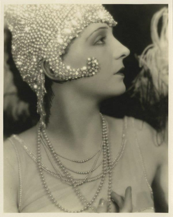 Betty Jewel , Ziegfeld Girl who posed for Alfred Cheney Johnston in the late 1910s.  silent film star in the last years of silent film 1927