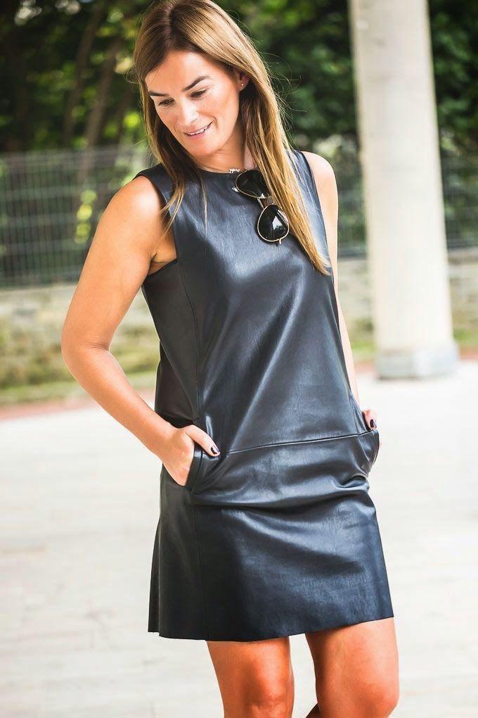 Vestido Zara cuero , botines , Lucía Díez , estilo , look de dia