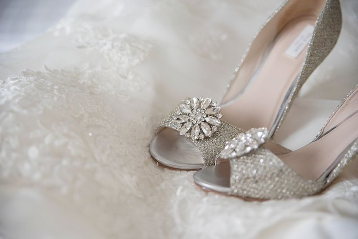 Open Toe Silver Sparkle Wedding Shoes with Floral Rhinestone