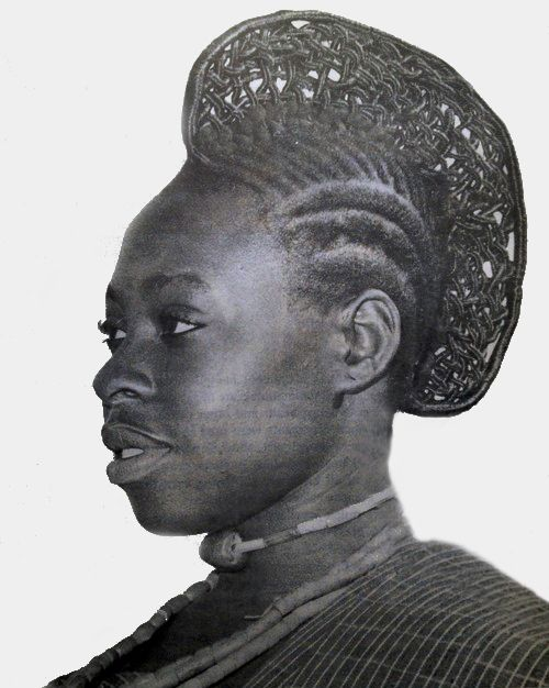West Africa |  Hairdressing in Nigeria || ©unknown, scanned from a library book (title not mentioned) from Chapter 2 of the publication
