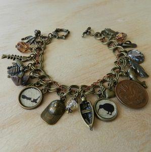 Beautiful ~Kiwiana~ New Zealand Inspired Charm Bracelet