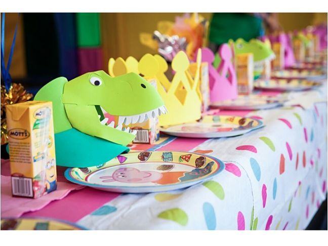I threw my daughter a DIY Peppa Pig birthday party and it was a huge hit with adults and kids alike!