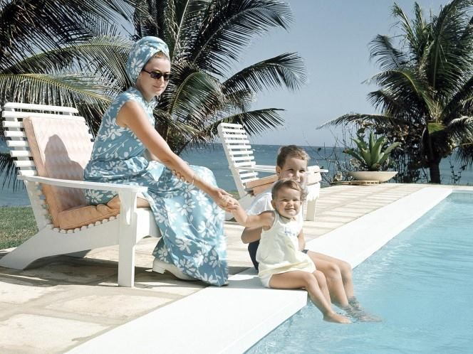 """Grace takes off with family for a few days in Montego Bay, Jamaica, January 1967.  Happy summer holiday to everyone and as the French says """"Bon courage"""" for those who can't take a break !"""
