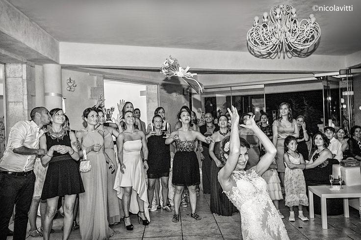 lancio del bouquet sposa fotografo nicola vitti Brindisi
