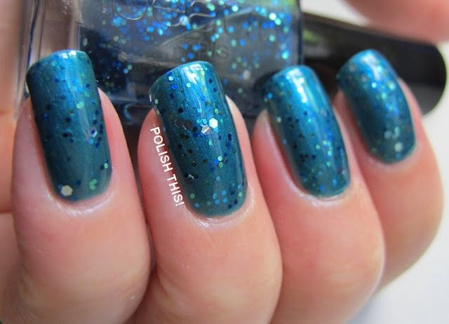 Dermexcellence number 32 and Gina Tricot Monaco Blue