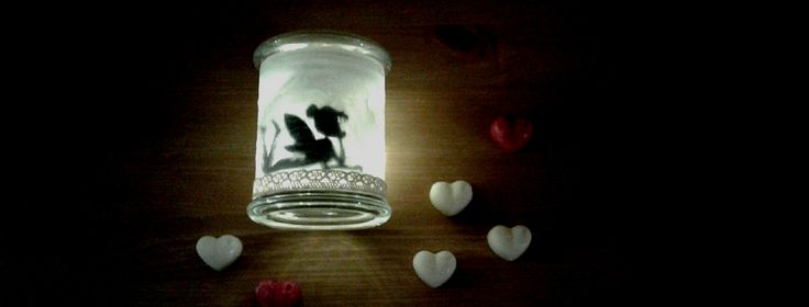 Heute, meine Lieben, habe ich etwas ganz BESONDERES für euch! Ich habe mich mal wieder am Basteln versucht und muss sagen >DAS IST JA SOWAS VON EINFACH< !! Nicht nur zu Valentinstag ist es ei…