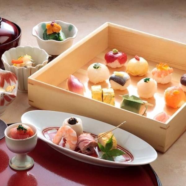 一口サイズのお寿司が良い。入母屋 銀座三丁目 グラッセ店。東京のバイキングスポット