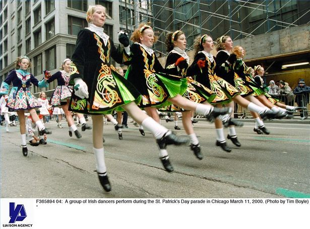 How to Do an Irish Jig: Irish Dance, Irish Jig, Elegant Dance, Jig Irish, Jig Dance, Jig Thumbnail, Lights Jig, Let S Dance, Rise Step