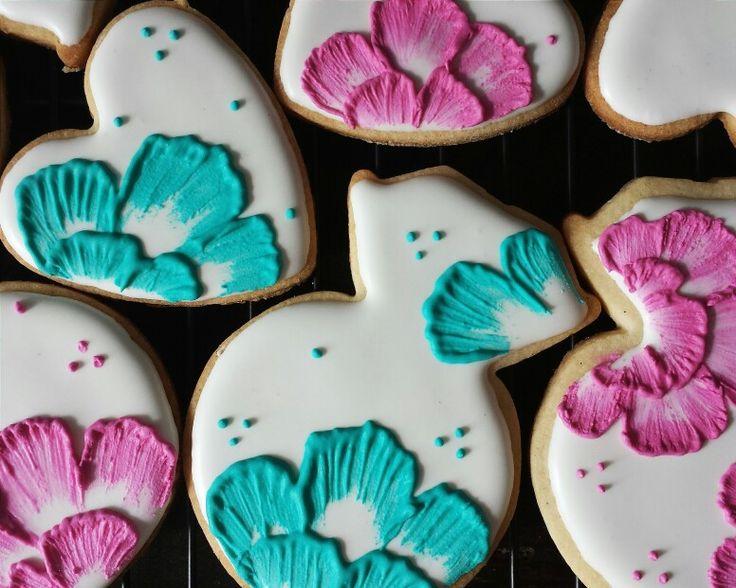 Sugar cookies. Floral. Bridal shower. Wedding. Engagement party. Flower. Pink. Blue.