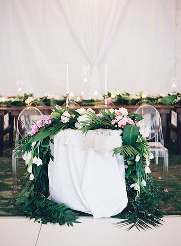 Boho Tropical Glam Sweetheart Table Ivyrobinson