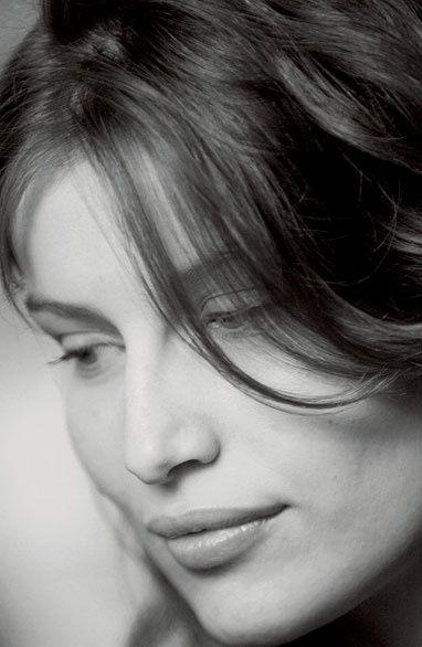 Laeticia Casta, nouvelle égérie des parfums Dolce
