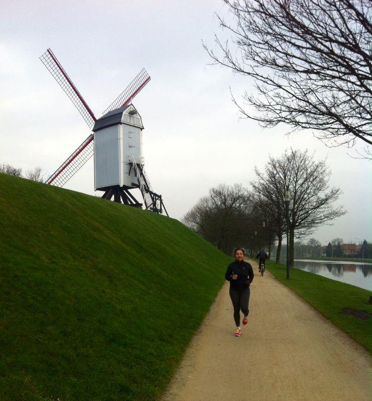 Bruges-Belgium  Treino para meia maratona Paris