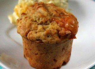 Muffin con pane raffermo, radicchio e formaggio