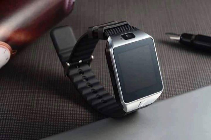 Profita acum de cel mai bun pret ! Ceas Telefon Smart Watch BlueTooth Camera MicroSim MicroSd - doar 75 lei Comenzile se fac online pe http://smartwatch-shop.ro/produs/smart-watch-dz09/ sau telefonic 0768.514.812 Ceasul SmartWatch Dz09 cu Display Touchscreen se conecteaza la toate dispozitivele mobile Android precum Samsung, Htc, Sony, Huawei, Lg, Allview precum si alte dispozitive care suporta Bluetooth. Poate fi utilizat ca telefon mobil independent datorita slotului microSIM fara…