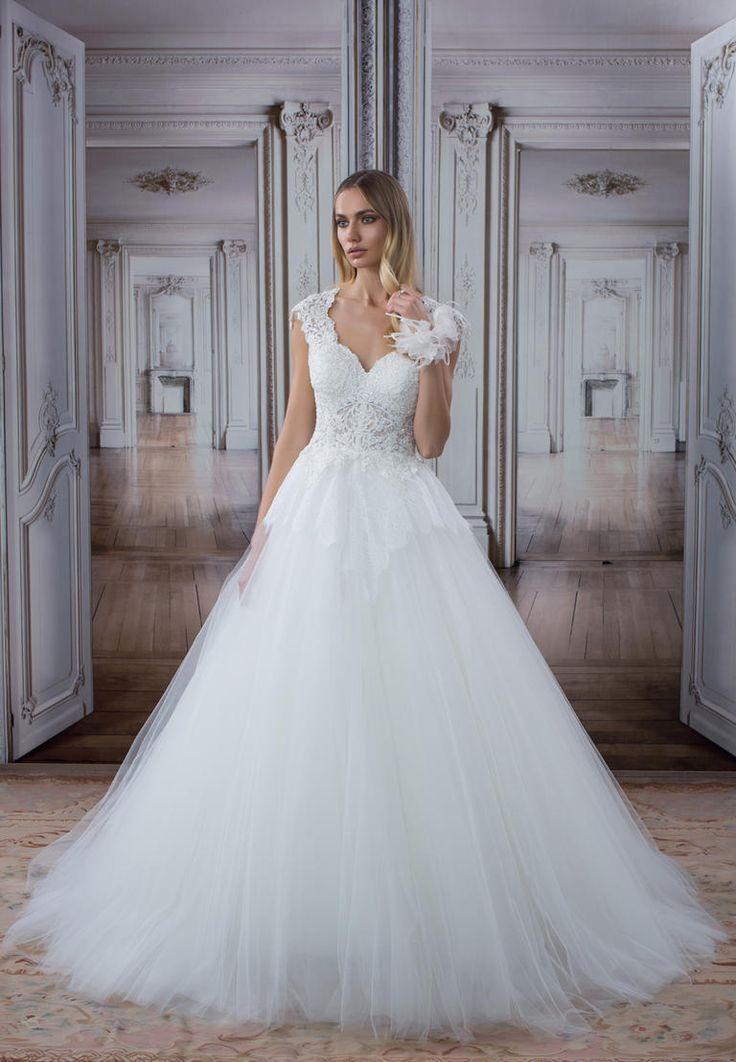 24 best Wedding Gowns images on Pinterest | Wedding frocks, Short ...
