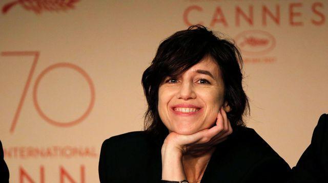 """Charlotte Gainsbourg"" - ""Les Fantômes d'Ismaël"" (""Cannes 2017"") - ""tyylit"", ""sideerinen astrologia"", ""Skorpioni"", ""Kalat"", ""Oinas"", ""Leijona"", ""Ichthyologie"", ""gothic rock"", ""Erasmus"", ""Grufti"", ""indie goth"", ""noidat"", ""poikatytöt"", ""Rotschopf"", ""Frisuren"", ""Ponys"", ""redhead"", ""bangs"", ""mumblecore"", ""riot grrrl"", ""gotisch"", ""grunge"", ""Mary Elizabeth Winstead"", ""Evan Rachel Wood"", ""feministit"", ""alastomat"", ""Naktivismus"", metalcore"", ""Helsinki"", ""Finland"", ""EU"", ""EU27"", ""Brexit"" & ""Brexpat"""