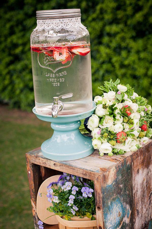 vintage drink dispenser http://www.weddingchicks.com/2013/10/08/american-wedding-ideas-2/