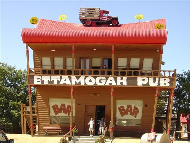 """Table Top, NSW. The Ettamogah Pub is a cartoon pub that was featured in the now defunct Australasian Post magazine. The cartoonist Ken Maynard, loving empty spaces and having nothing around him, enjoyed an area just outside of Albury at Table Top, named Ettamogah, thus christening the name of his now famous pub the """"Ettamogah Pub"""" #yankinaustralia #australia"""