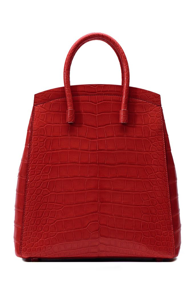 spring 2014 Bally.... I'll call this Royal Red.. if red was ever royal this would be that shade.... Perfection in a Royal Red Handbag.... ♡