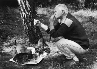 ボフミル・フラバル(Bohumil Hrabal、1914 -  1997)はチェコの国民的小説家; czech novelist  #czech #writer #novel #culture #art #Hrabal #Roboraion