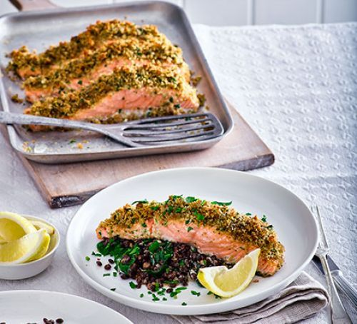 Gremolata-crusted salmon with lentils & spinach