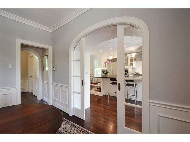 Arched doorways and wall color